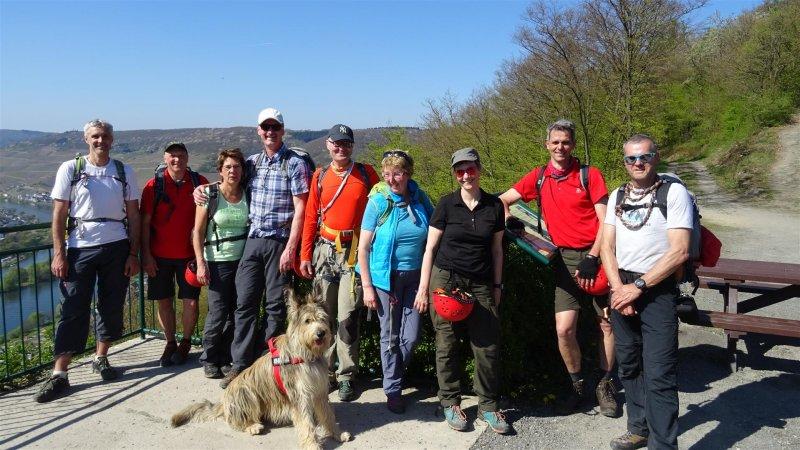 Klettersteigset Hund : Wandern mit mehreren hunden franzi und ihre drei hunderiesen